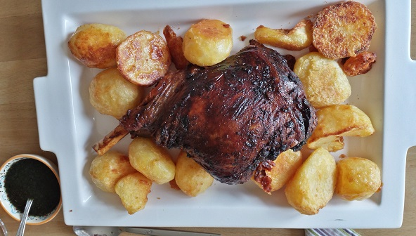 Slow-roasted-garlicky-lamb